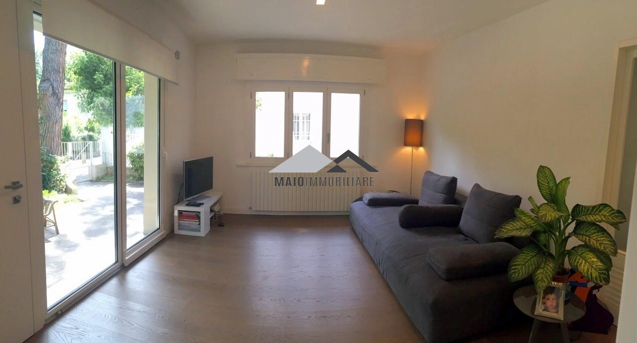 Appartamento in vendita a Riccione, 4 locali, zona Località: PAESE, prezzo € 720.000 | Cambio Casa.it
