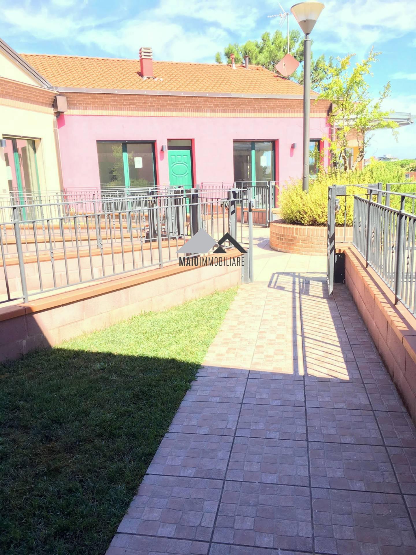 Appartamento in vendita a Riccione, 4 locali, zona Località: PAESE, prezzo € 323.000   CambioCasa.it