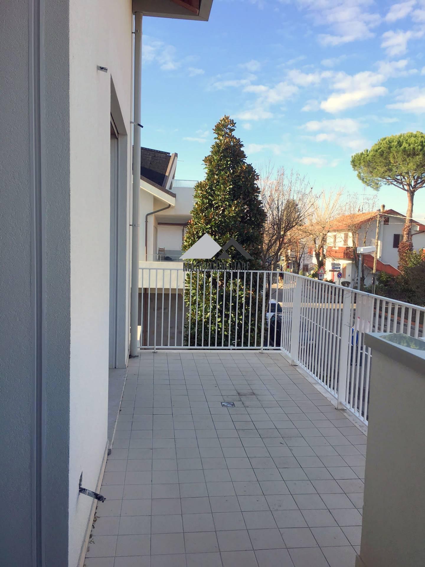 Appartamento in vendita a Riccione, 4 locali, zona Località: S.LORENZO, prezzo € 390.000 | CambioCasa.it