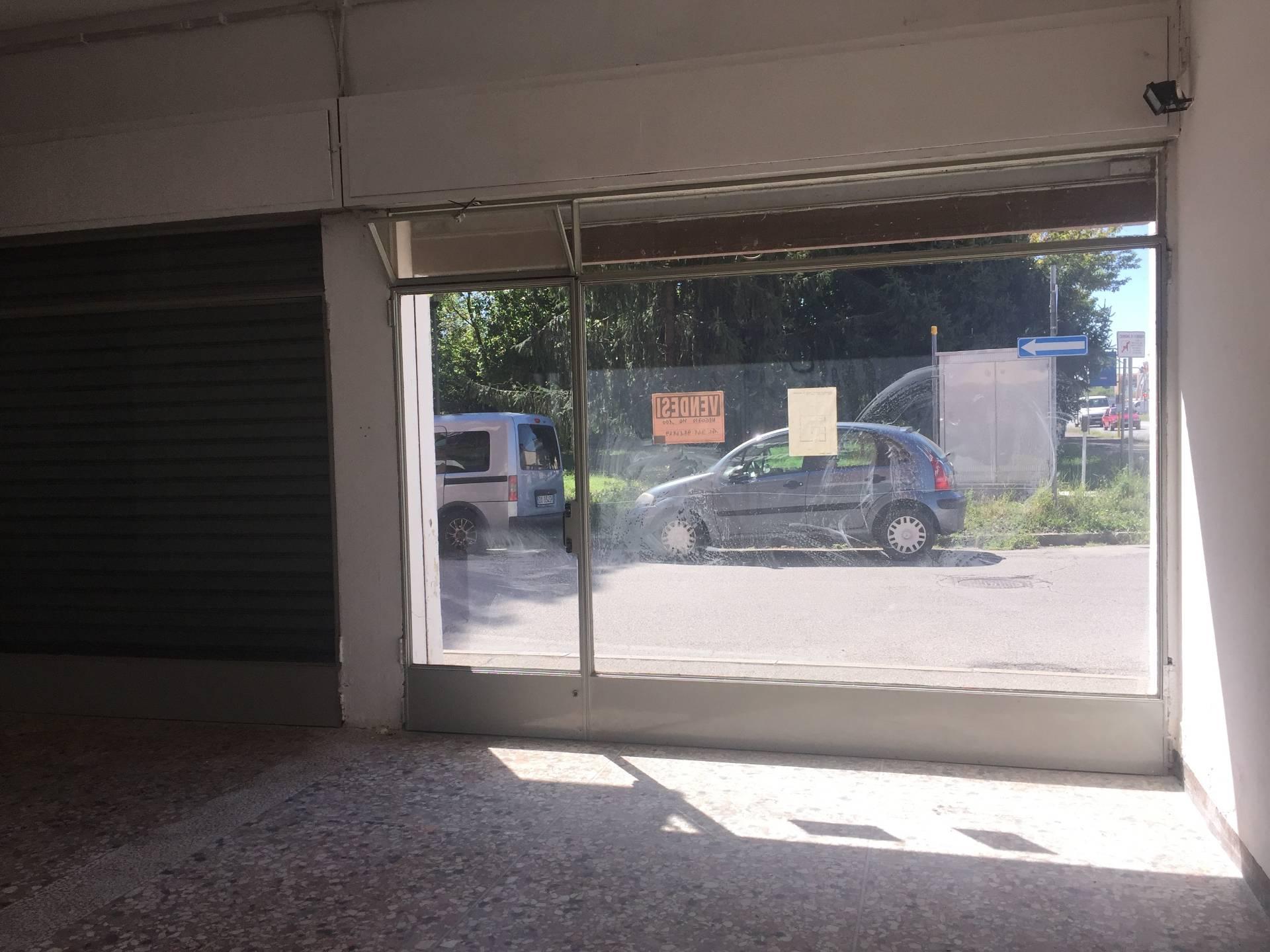Negozio / Locale in vendita a Ferrara, 9999 locali, zona Zona: Doro, prezzo € 105.000 | CambioCasa.it