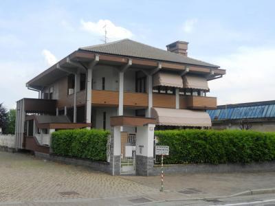 Villa bifamiliare in Vendita a Gaglianico
