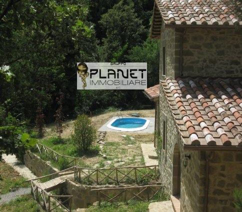 Rustico / Casale in vendita a Cortona, 4 locali, zona Zona: Poggioni, prezzo € 390.000 | CambioCasa.it