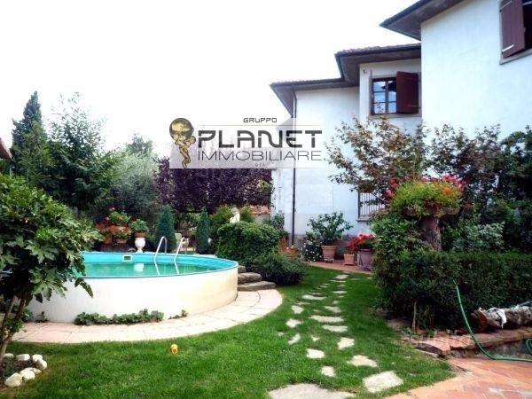 Villa in vendita a Subbiano, 5 locali, zona Zona: Castelnuovo, prezzo € 340.000 | CambioCasa.it