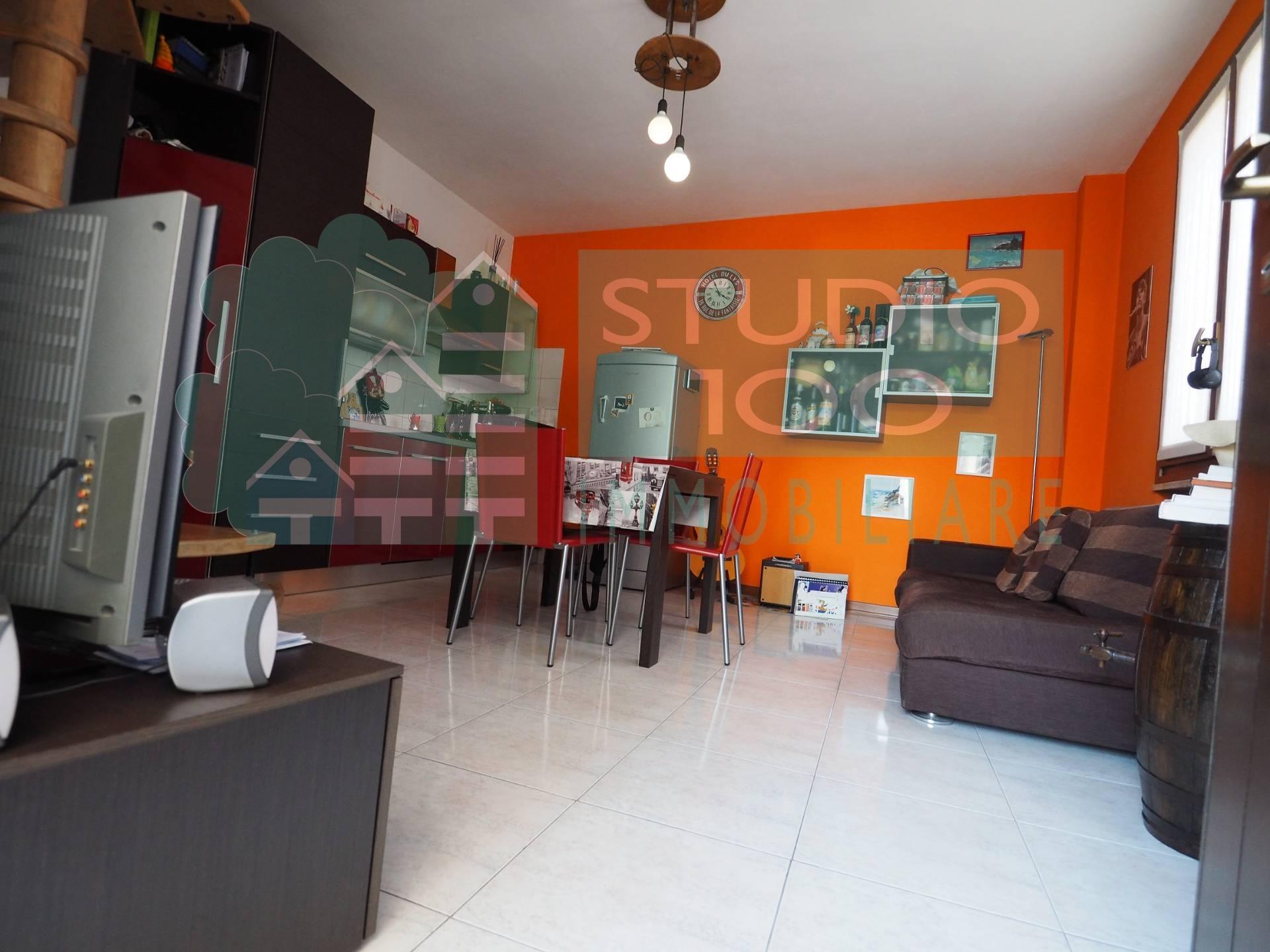 Appartamento in vendita a Casorate Sempione, 2 locali, prezzo € 59.000 | CambioCasa.it