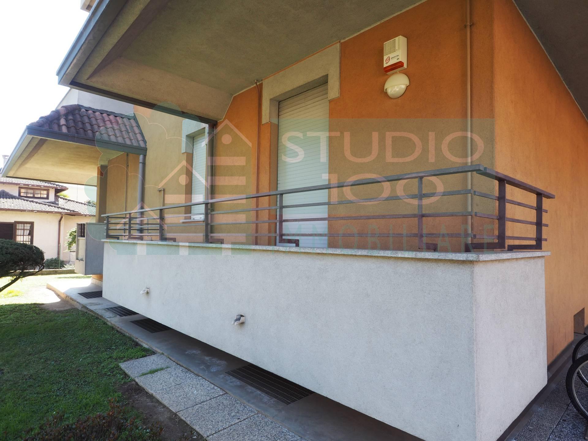 Appartamento in vendita a Casorate Sempione, 4 locali, zona Località: S.Ilario, prezzo € 130.000 | CambioCasa.it
