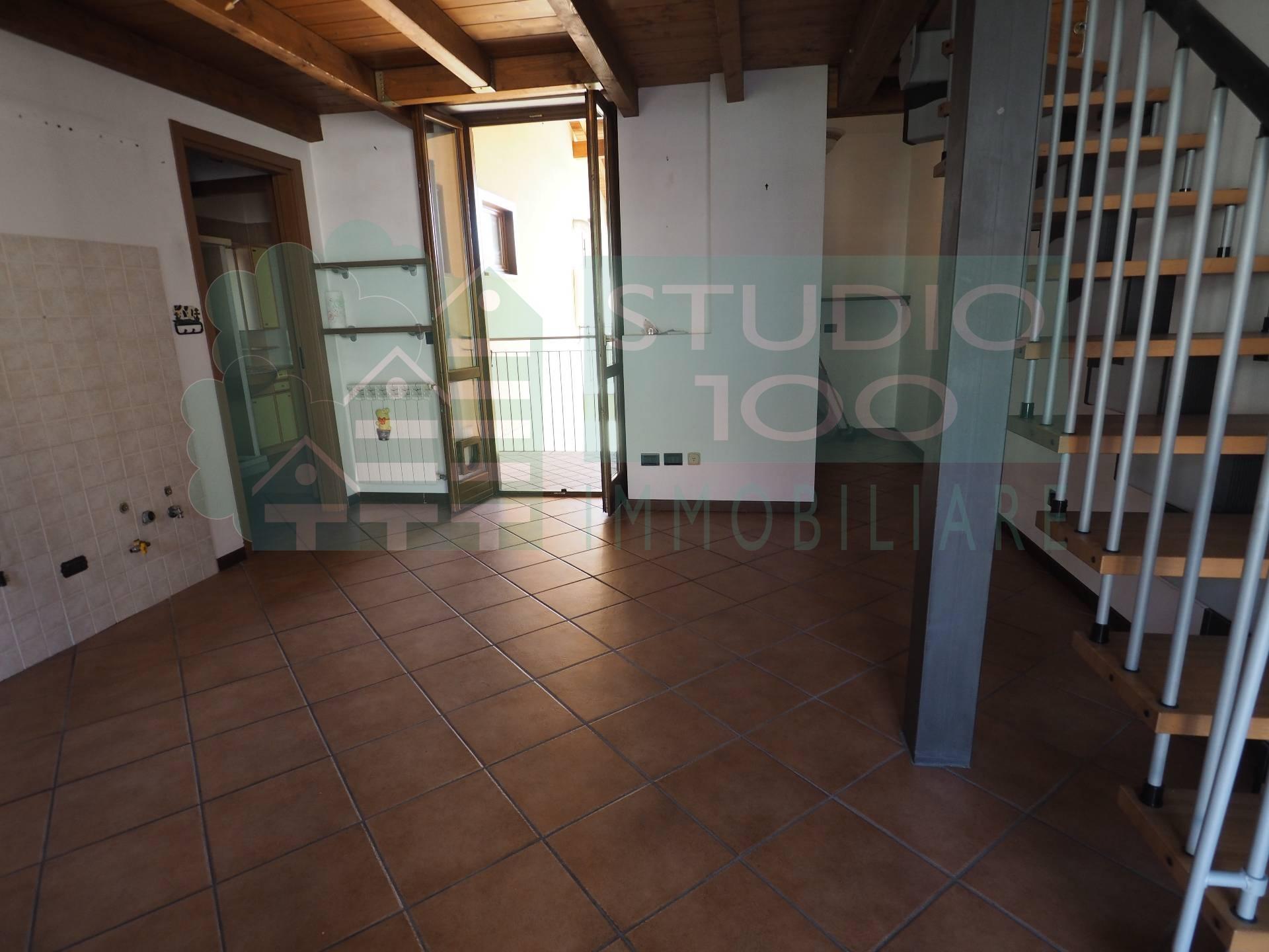 Appartamento in vendita a Casorate Sempione, 1 locali, prezzo € 69.000 | CambioCasa.it