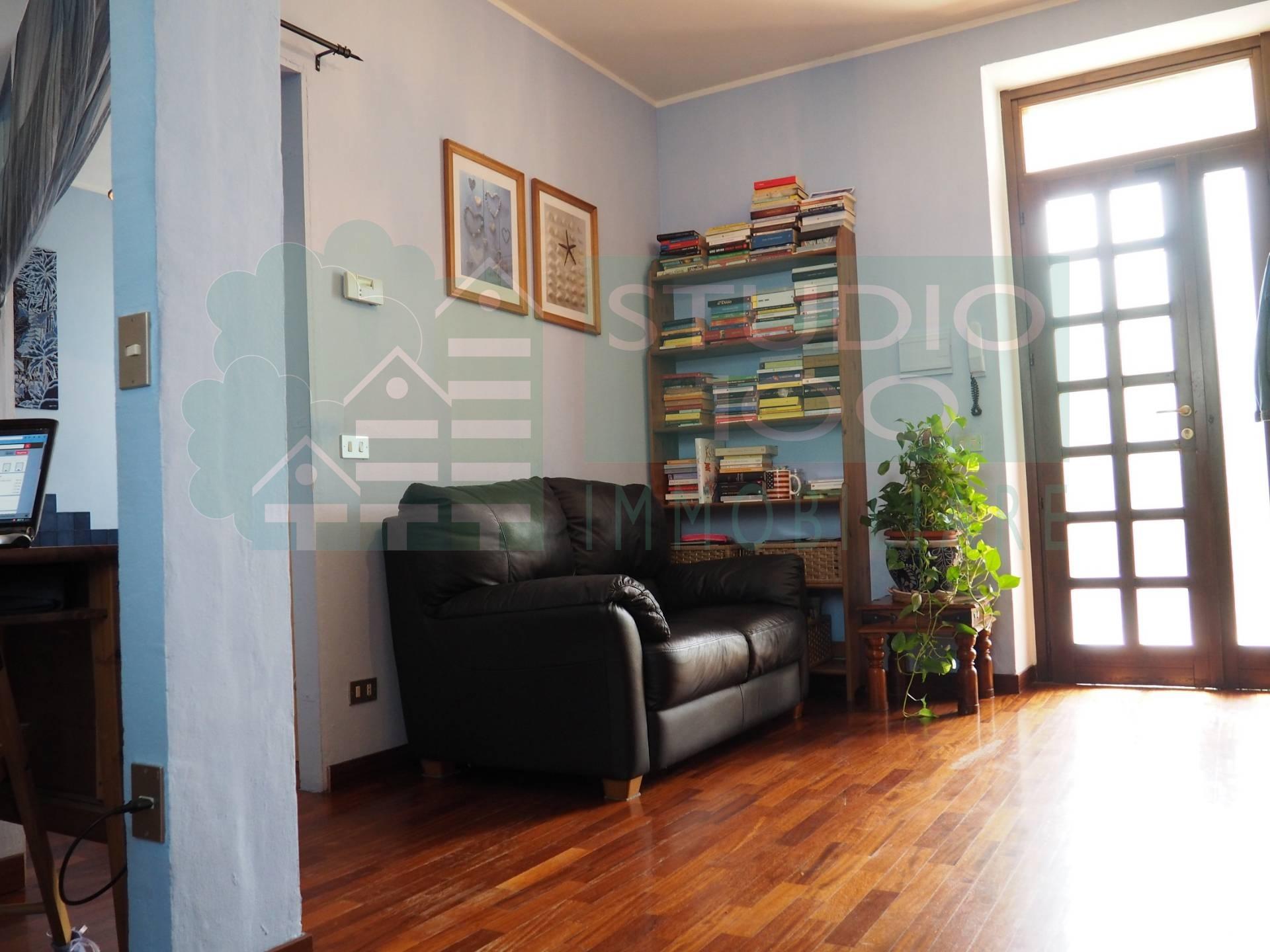 Appartamento in vendita a Casorate Sempione, 2 locali, prezzo € 55.000 | CambioCasa.it