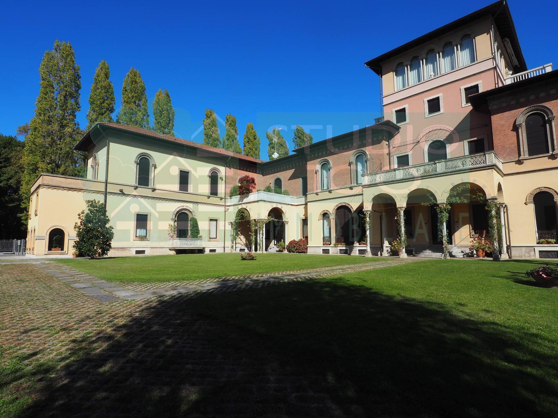 Appartamento in affitto a Gallarate, 4 locali, zona Zona: Ronchi, prezzo € 1.700 | CambioCasa.it