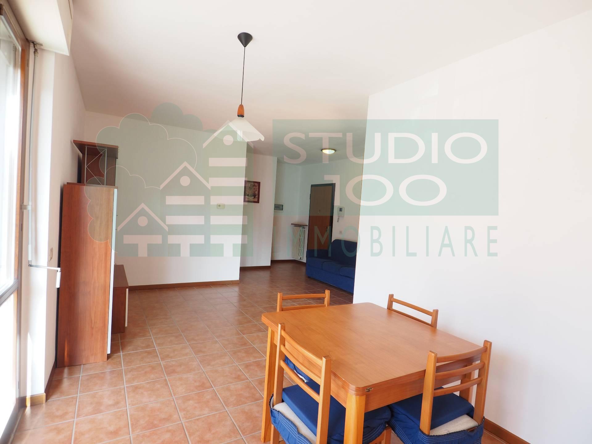 Appartamento in vendita a Oleggio, 2 locali, prezzo € 102.000 | CambioCasa.it