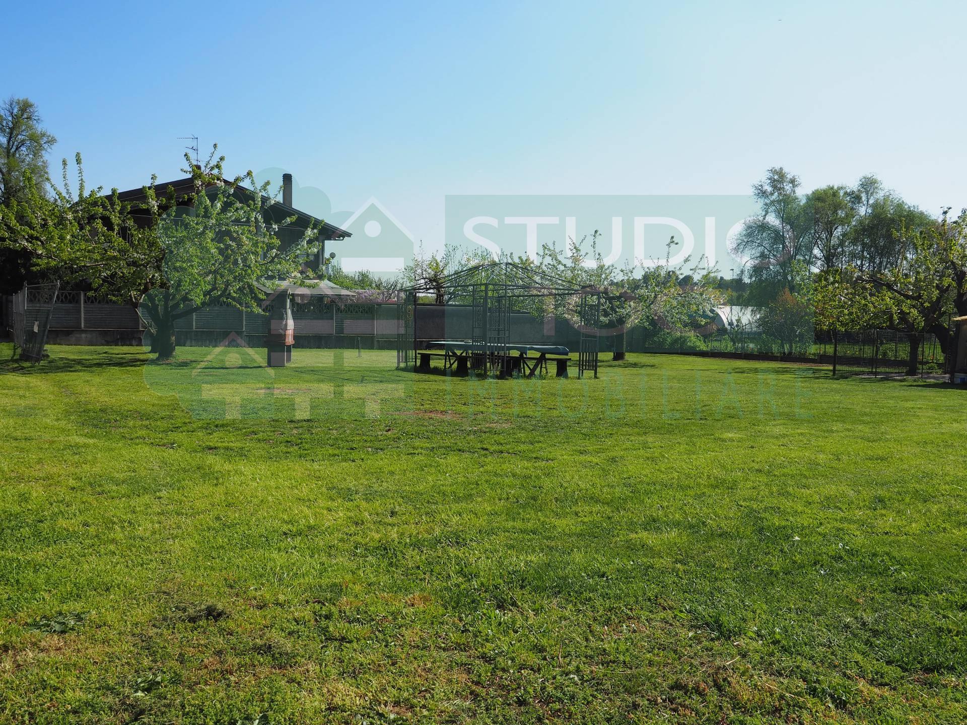 Terreno Edificabile Residenziale in vendita a Casorate Sempione, 9999 locali, prezzo € 90.000 | CambioCasa.it