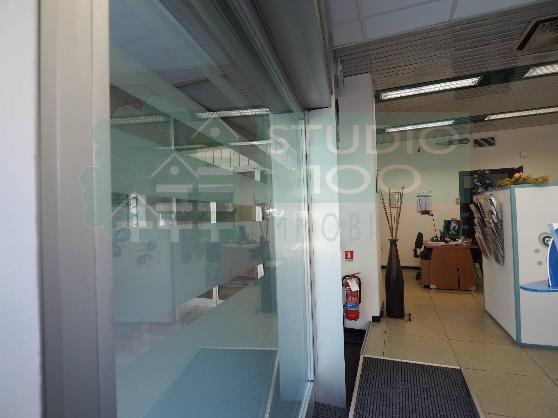 Negozio / Locale in vendita a Casorate Sempione, 9999 locali, prezzo € 45.000 | CambioCasa.it