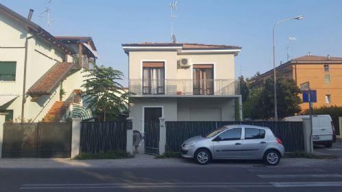 Villa in vendita a Carpi, 5 locali, prezzo € 175.000 | Cambio Casa.it