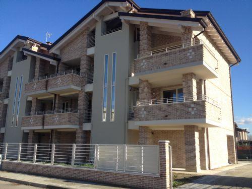 Attico / Mansarda in affitto a Carpi, 5 locali, prezzo € 1.650 | CambioCasa.it
