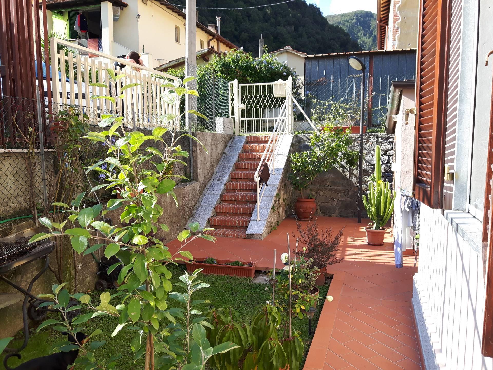 Appartamento in vendita a Seravezza, 4 locali, zona Zona: Corvaia, prezzo € 250.000 | Cambio Casa.it