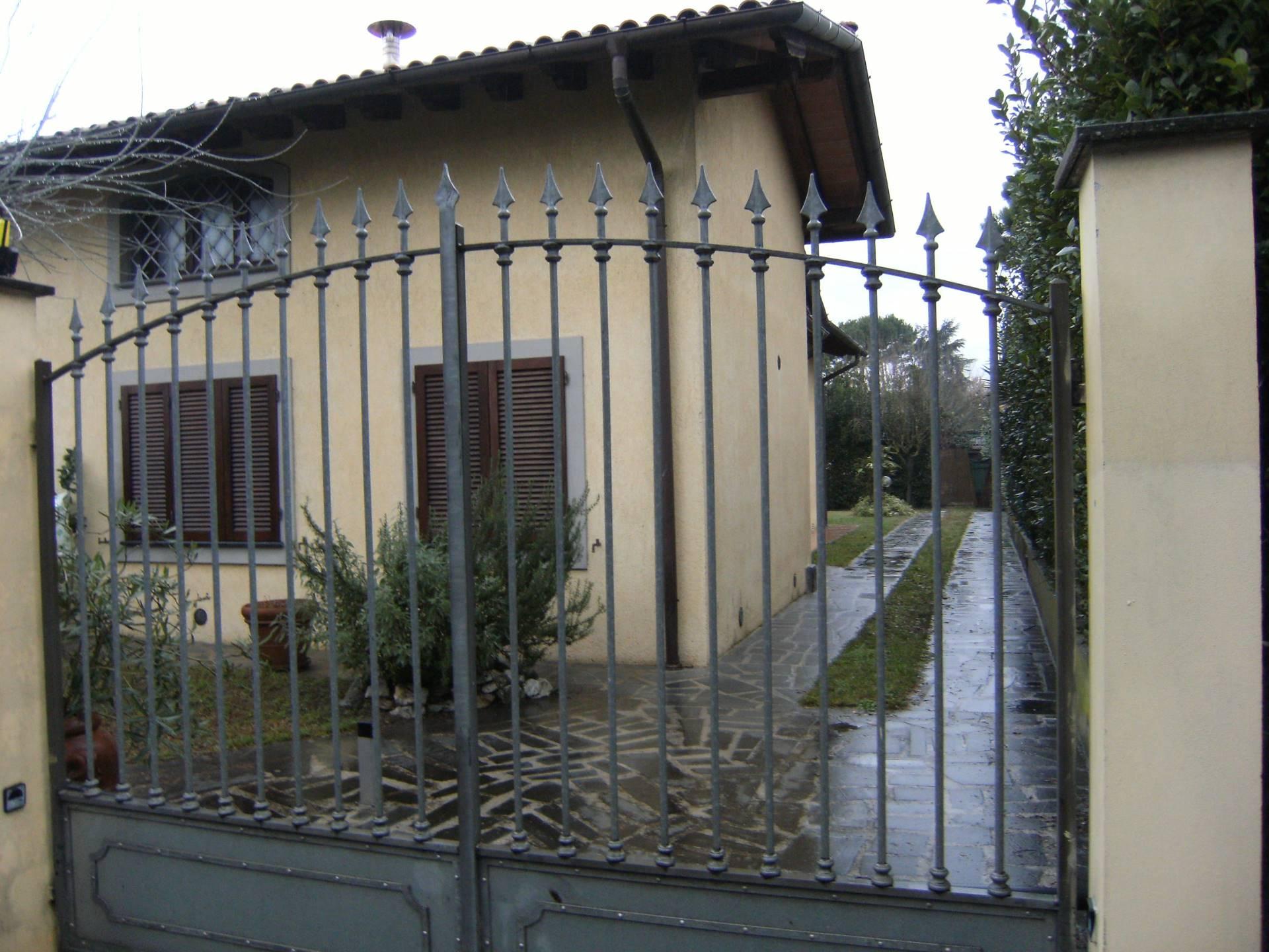 Villa in affitto a Forte dei Marmi, 4 locali, zona Località: VittoriaApuana, Trattative riservate | Cambio Casa.it