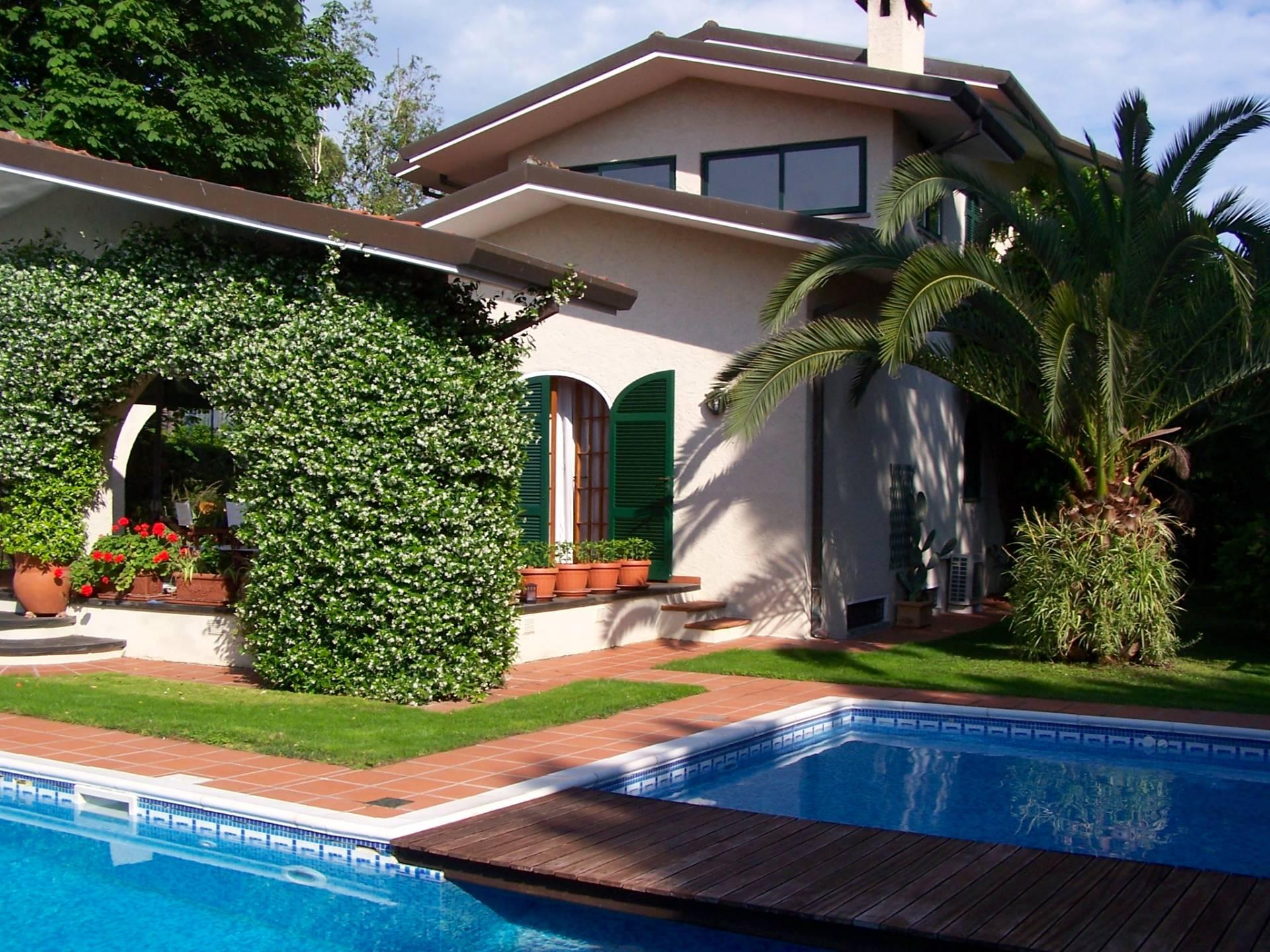Villa in affitto a Forte dei Marmi, 7 locali, zona Zona: Vaiana, Trattative riservate | CambioCasa.it
