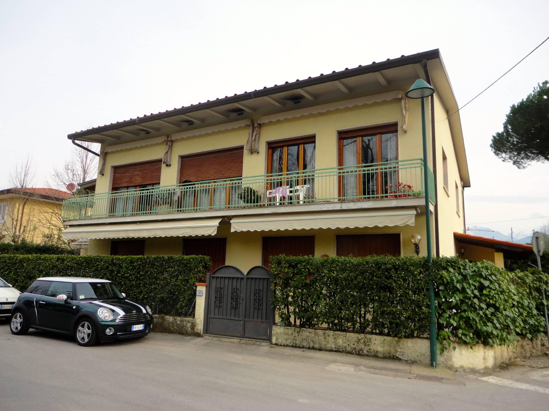 Appartamento in affitto a Forte dei Marmi, 6 locali, zona Zona: Caranna, Trattative riservate | Cambio Casa.it