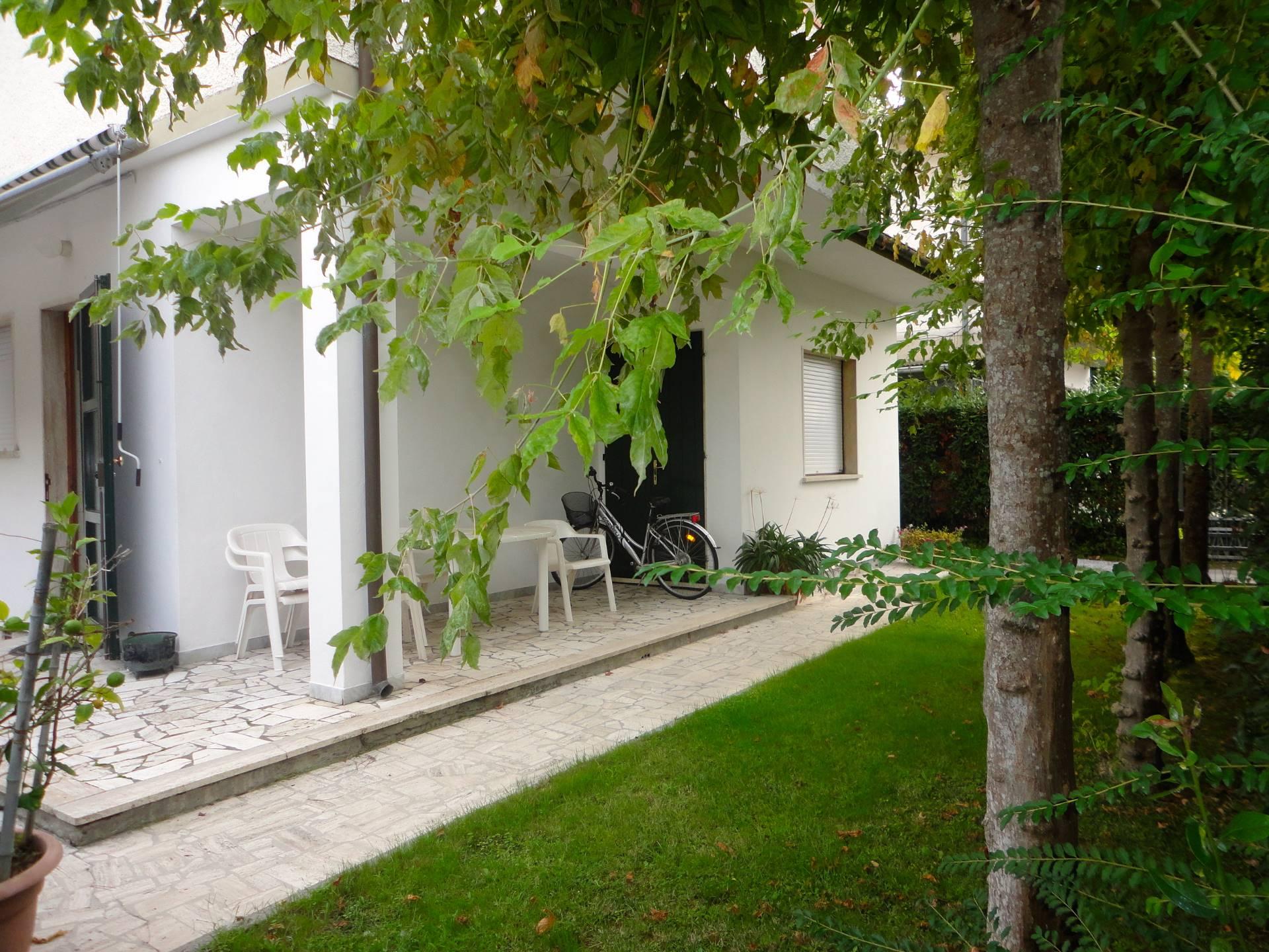 Appartamento in affitto a Forte dei Marmi, 4 locali, zona Zona: Caranna, Trattative riservate   Cambio Casa.it