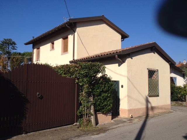 Soluzione Indipendente in vendita a Forte dei Marmi, 5 locali, zona Zona: Caranna, prezzo € 570.000 | CambioCasa.it
