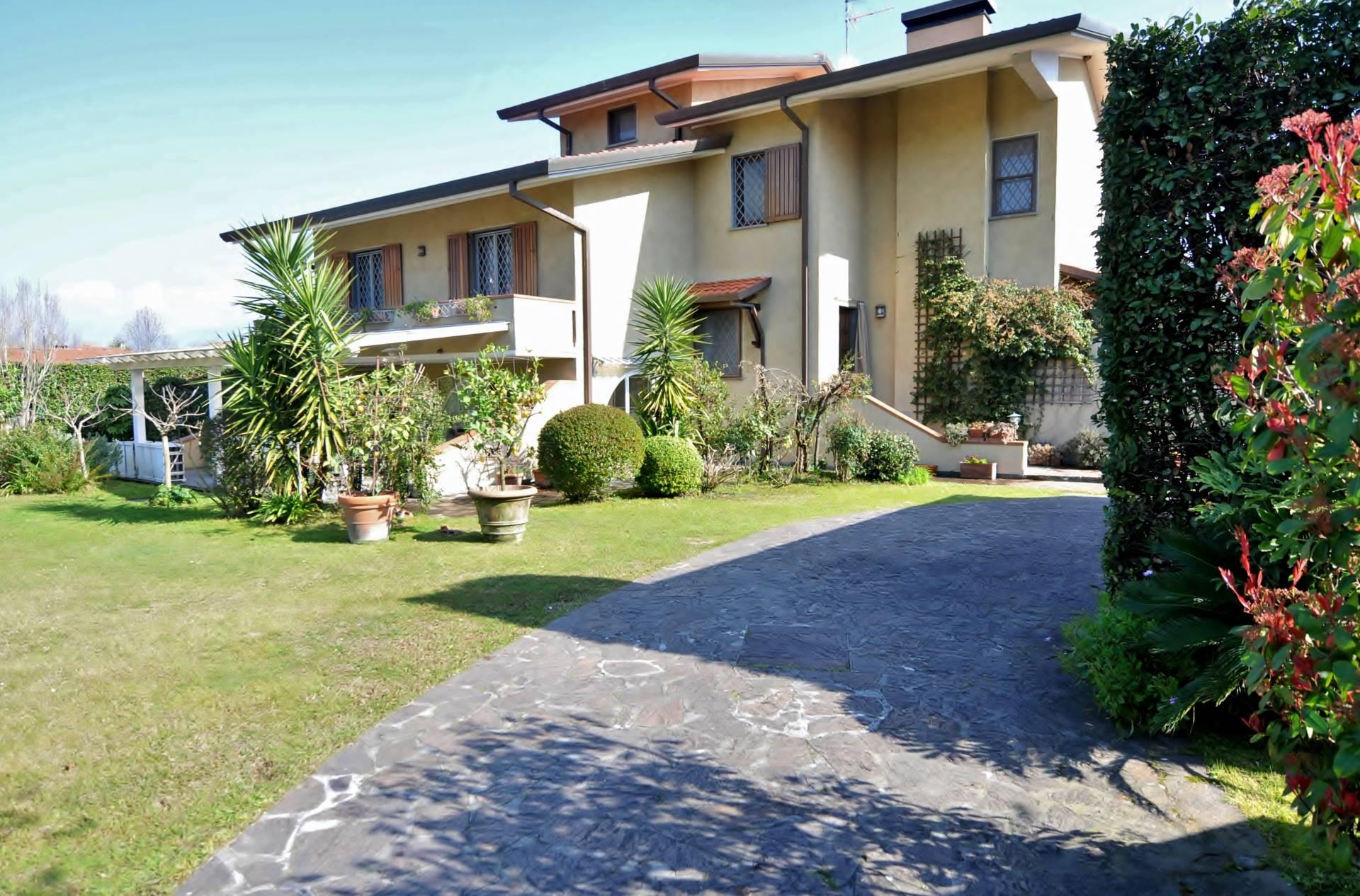 Villa in affitto a Forte dei Marmi, 1 locali, zona Zona: Caranna, Trattative riservate   CambioCasa.it