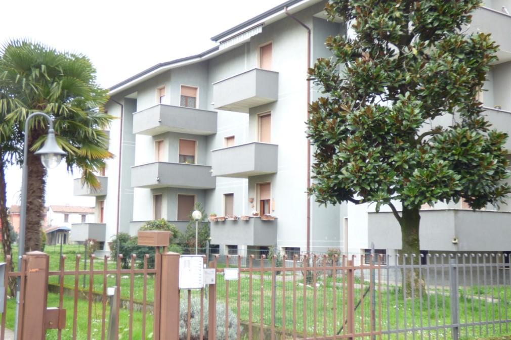Appartamento in vendita a Mulazzano, 3 locali, zona Località: CassinodAlberi, prezzo € 105.000 | Cambio Casa.it