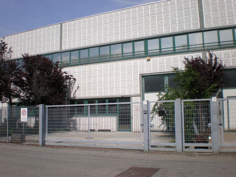 Capannone in vendita a Zelo Buon Persico, 9999 locali, prezzo € 240.000 | Cambio Casa.it