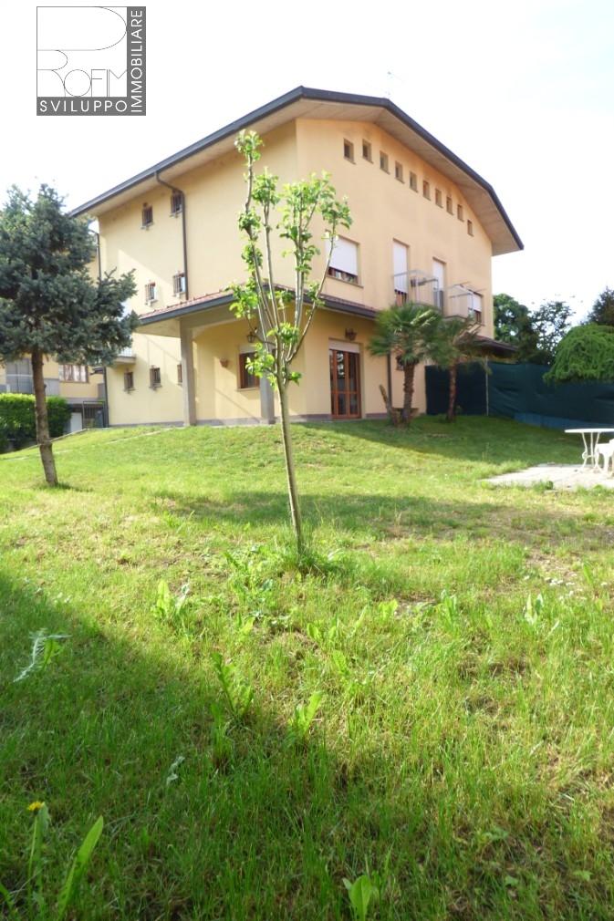 Villa Bifamiliare in Vendita a Zelo Buon Persico