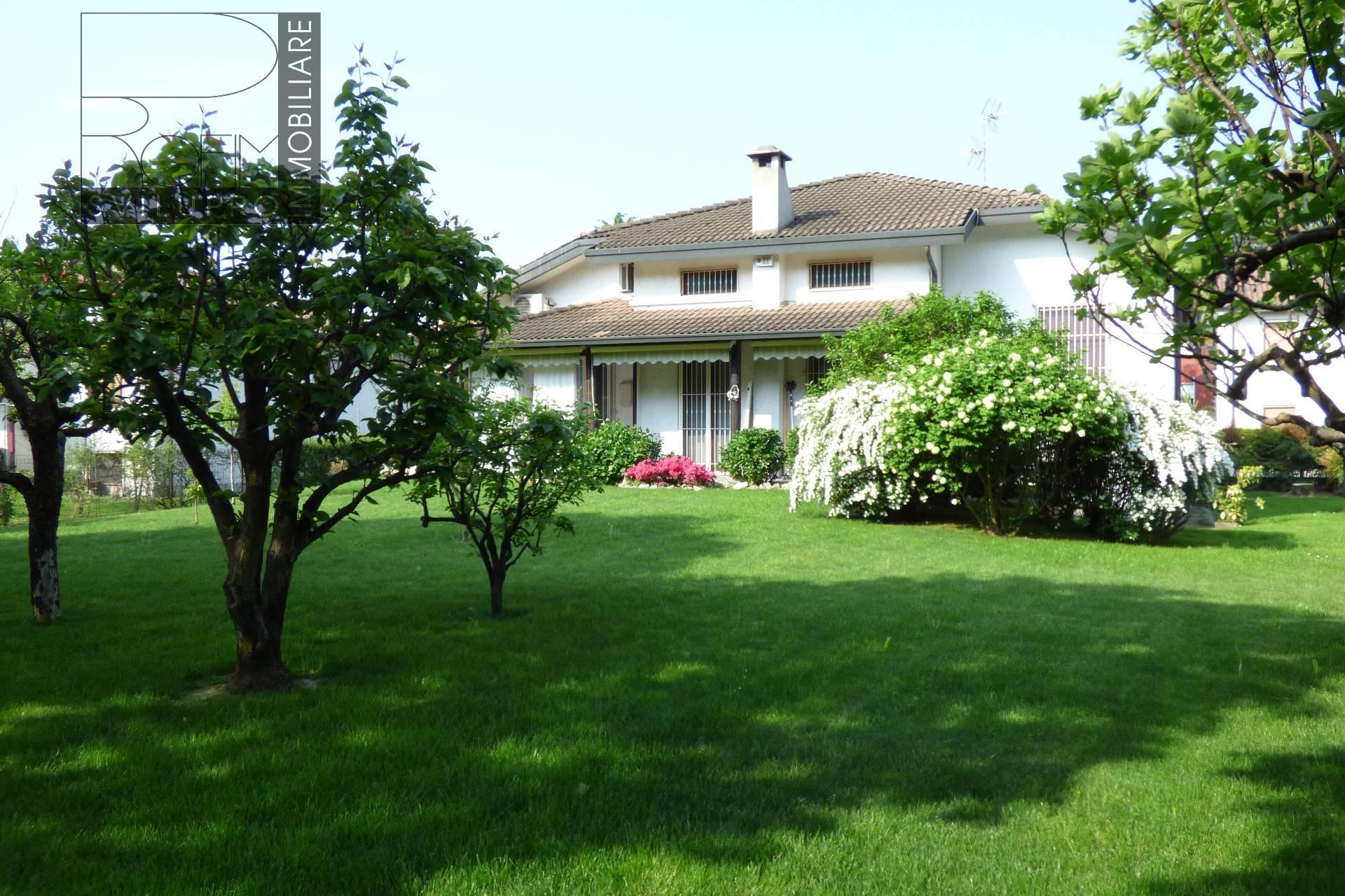 Villa in vendita a Paullo, 5 locali, Trattative riservate | CambioCasa.it