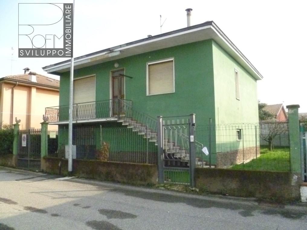 Villa in vendita a Paullo, 4 locali, Trattative riservate | CambioCasa.it