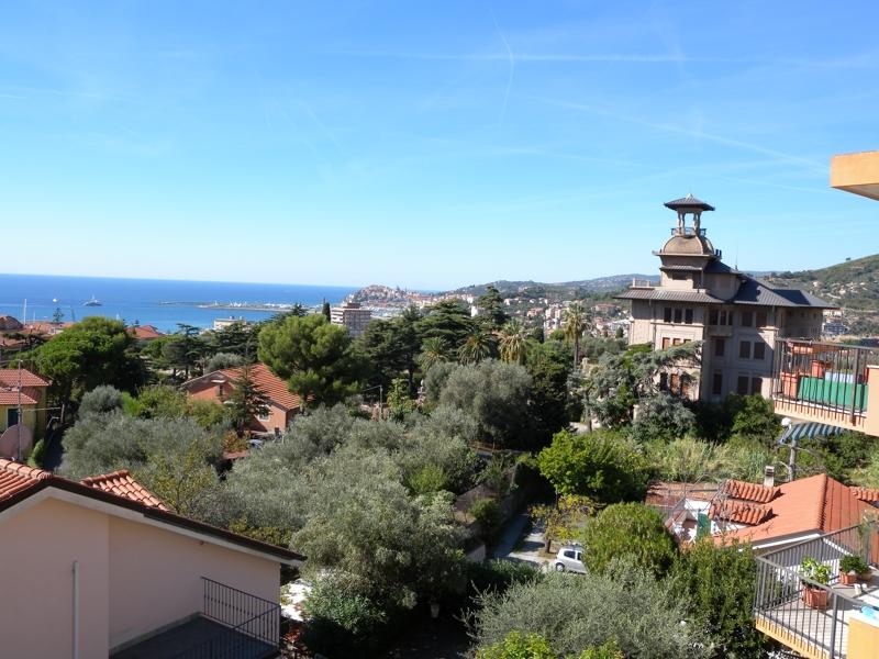 Appartamento in vendita a Imperia, 5 locali, zona Località: OnegliaCascine, prezzo € 320.000 | CambioCasa.it