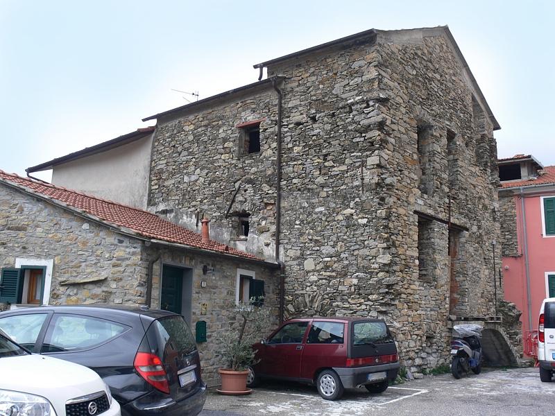 Appartamento in vendita a Chiusavecchia, 8 locali, zona Zona: Sarola, prezzo € 68.000 | Cambio Casa.it