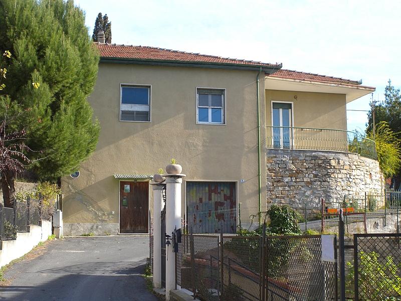 Villa in vendita a Imperia, 5 locali, zona Località: OnegliaCascine, prezzo € 350.000 | Cambio Casa.it