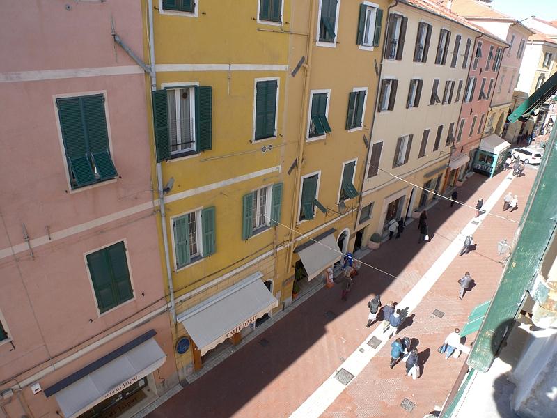 Appartamento in vendita a Imperia, 3 locali, zona Località: Onegliacentro, prezzo € 125.000 | CambioCasa.it