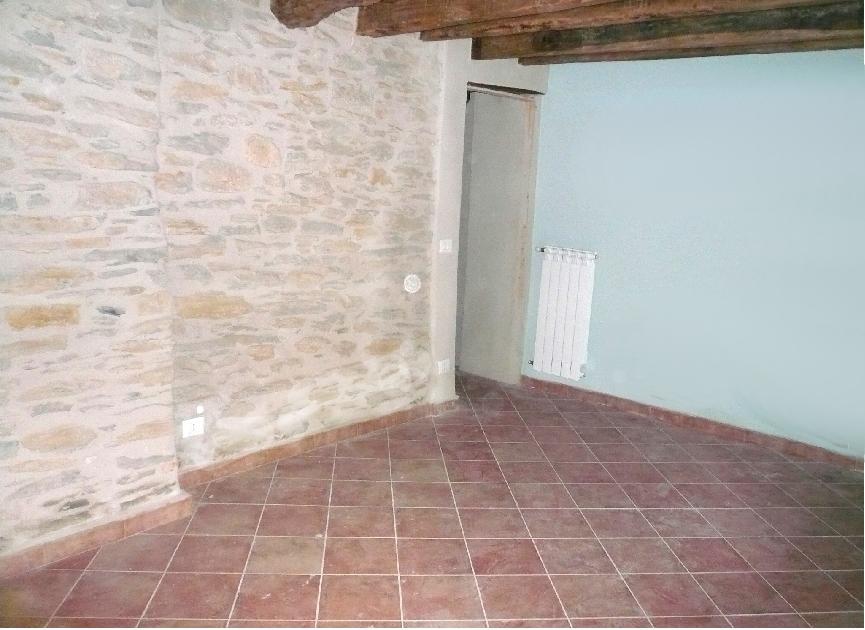 Appartamento in vendita a Prelà, 4 locali, zona Zona: Tavole, prezzo € 210.000 | CambioCasa.it