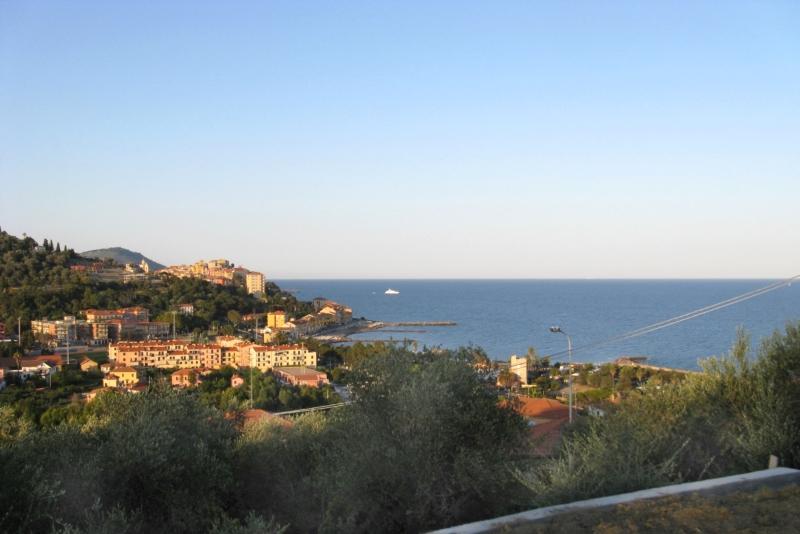 Villa in vendita a Imperia, 5 locali, zona Località: PoggiTorrazza, prezzo € 840.000 | Cambio Casa.it