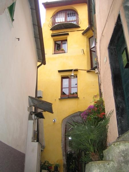 Appartamento in vendita a Imperia, 5 locali, zona Zona: Moltedo, prezzo € 149.000 | CambioCasa.it