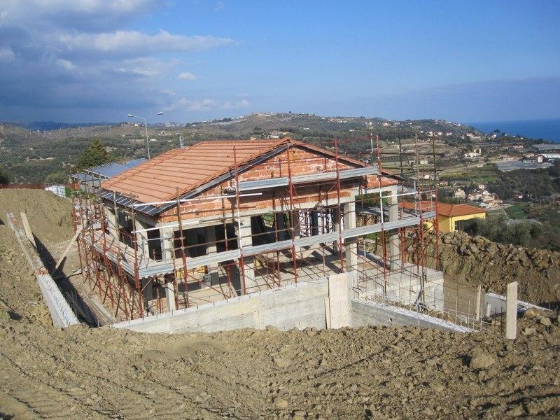 Villa in Vendita a Costarainera