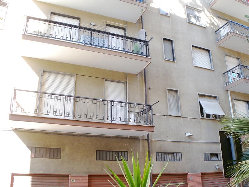 Ufficio / Studio in vendita a Imperia, 3 locali, zona Località: Onegliacentro, prezzo € 223.000 | Cambio Casa.it