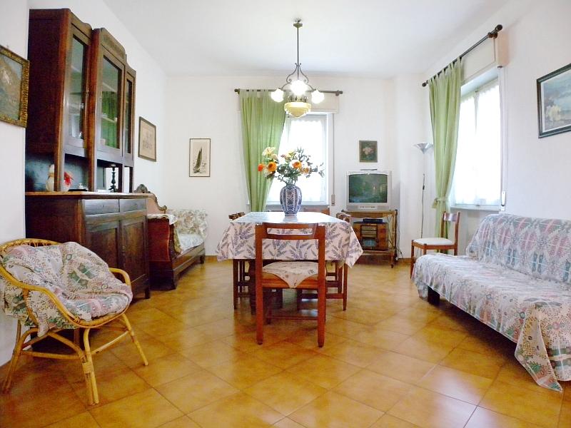 Appartamento in vendita a Imperia, 5 locali, zona Zona: Caramagna, prezzo € 175.000 | CambioCasa.it