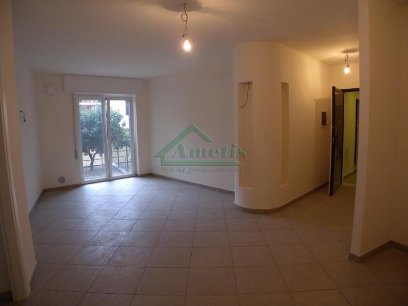 Appartamento in affitto a Imperia, 2 locali, zona Località: Onegliacentro, prezzo € 540 | Cambio Casa.it