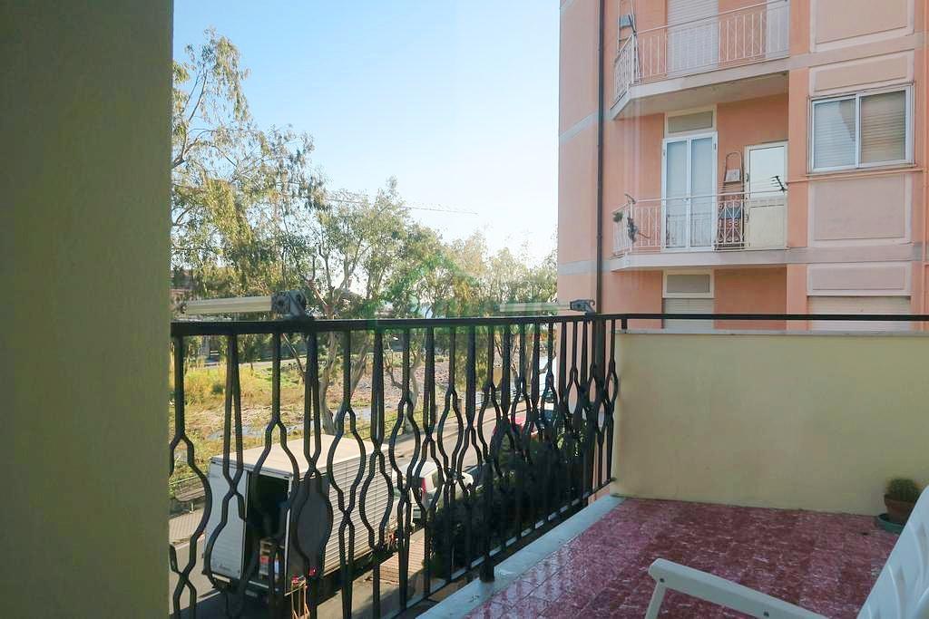 Appartamento in vendita a San Bartolomeo al Mare, 3 locali, prezzo € 210.000 | Cambio Casa.it