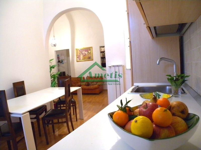 Appartamento in vendita a Imperia, 4 locali, zona Località: PortoMauriziocentro, prezzo € 149.000 | CambioCasa.it