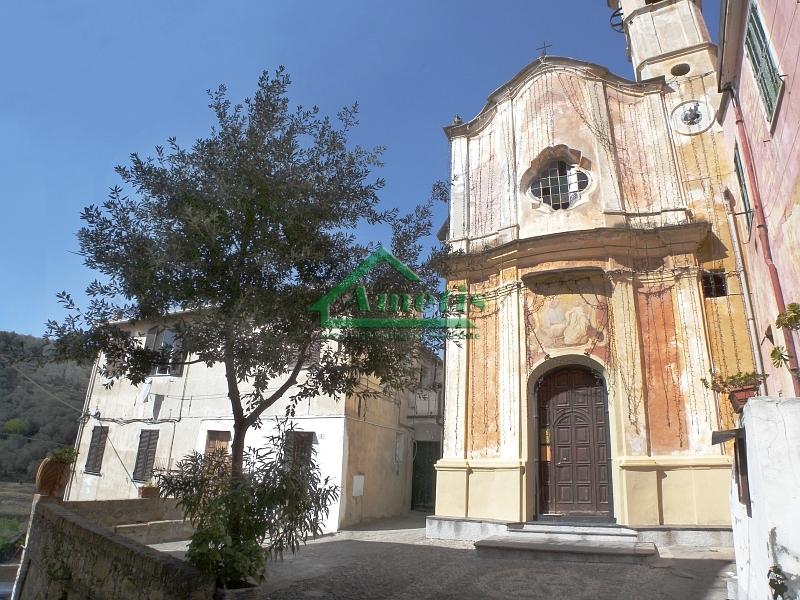 Appartamento in vendita a Imperia, 4 locali, zona Località: Onegliaperiferia, prezzo € 85.000 | CambioCasa.it