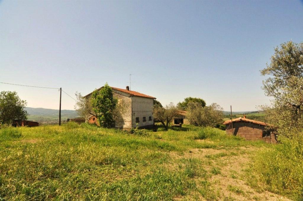 Rustico / Casale in vendita a Montecatini Val di Cecina, 6 locali, prezzo € 950.000 | CambioCasa.it