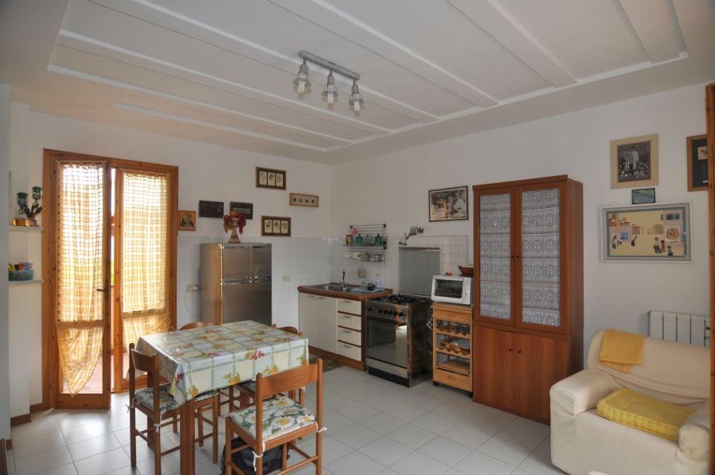 Appartamento in vendita a Guardistallo, 3 locali, prezzo € 150.000 | CambioCasa.it