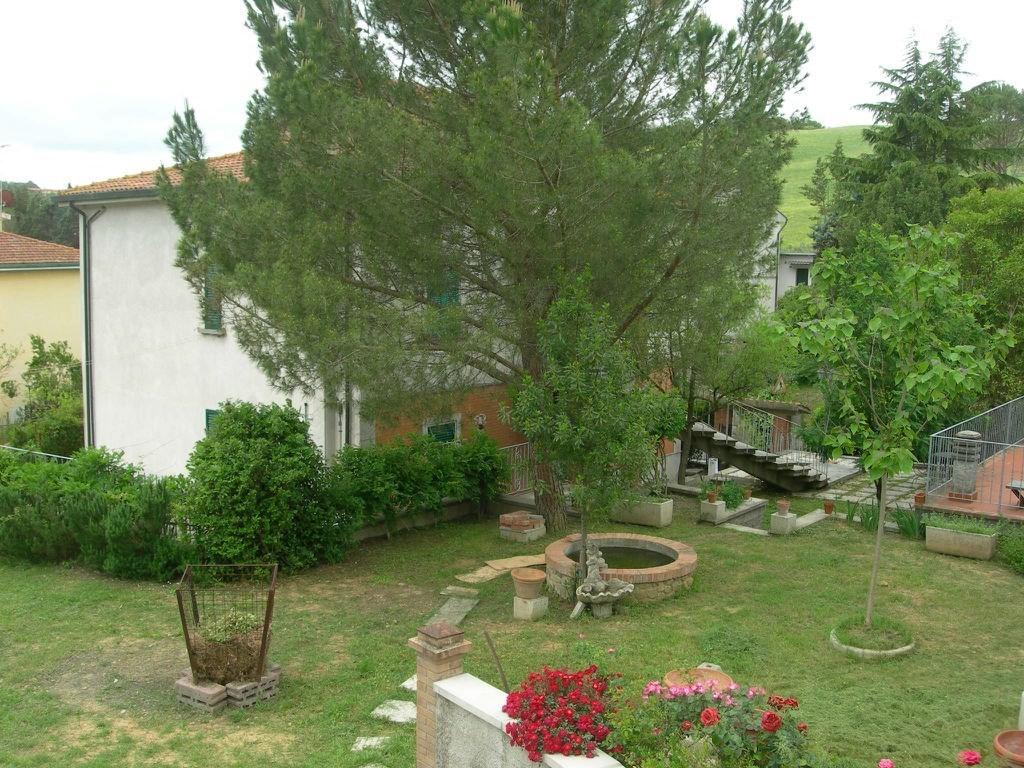 Soluzione Indipendente in vendita a Volterra, 9 locali, zona Zona: Saline, prezzo € 390.000 | CambioCasa.it