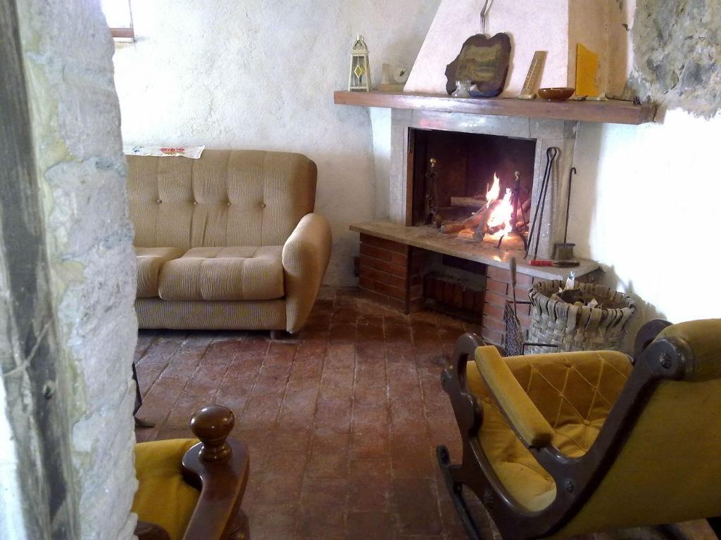 Soluzione Indipendente in vendita a Pomarance, 5 locali, zona Zona: Micciano, prezzo € 130.000 | CambioCasa.it