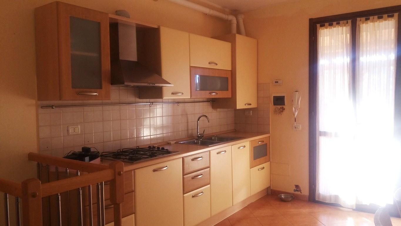 Villa a Schiera in affitto a Cecina, 2 locali, prezzo € 450 | CambioCasa.it