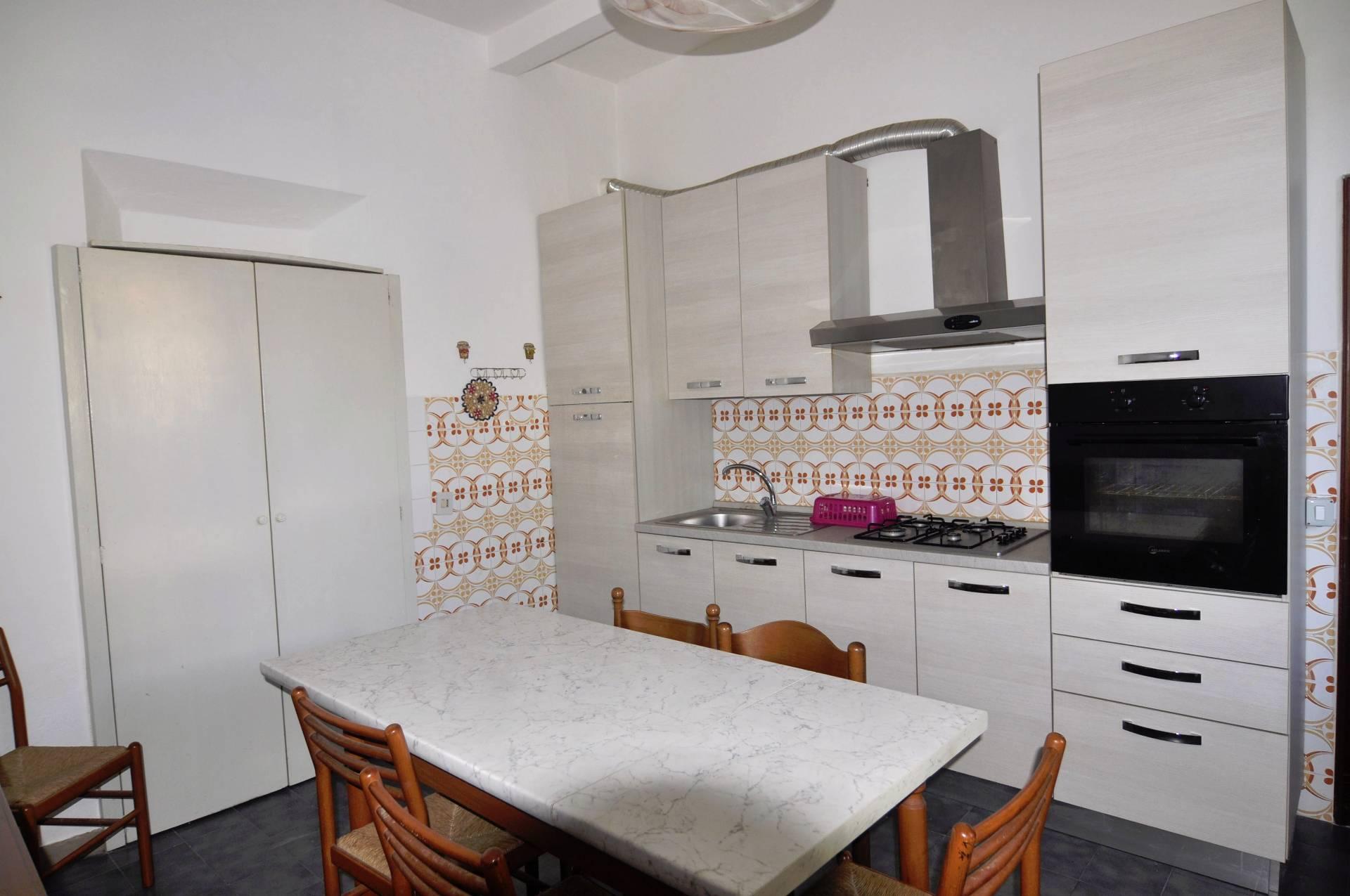Villa in affitto a Cecina, 2 locali, prezzo € 500 | CambioCasa.it