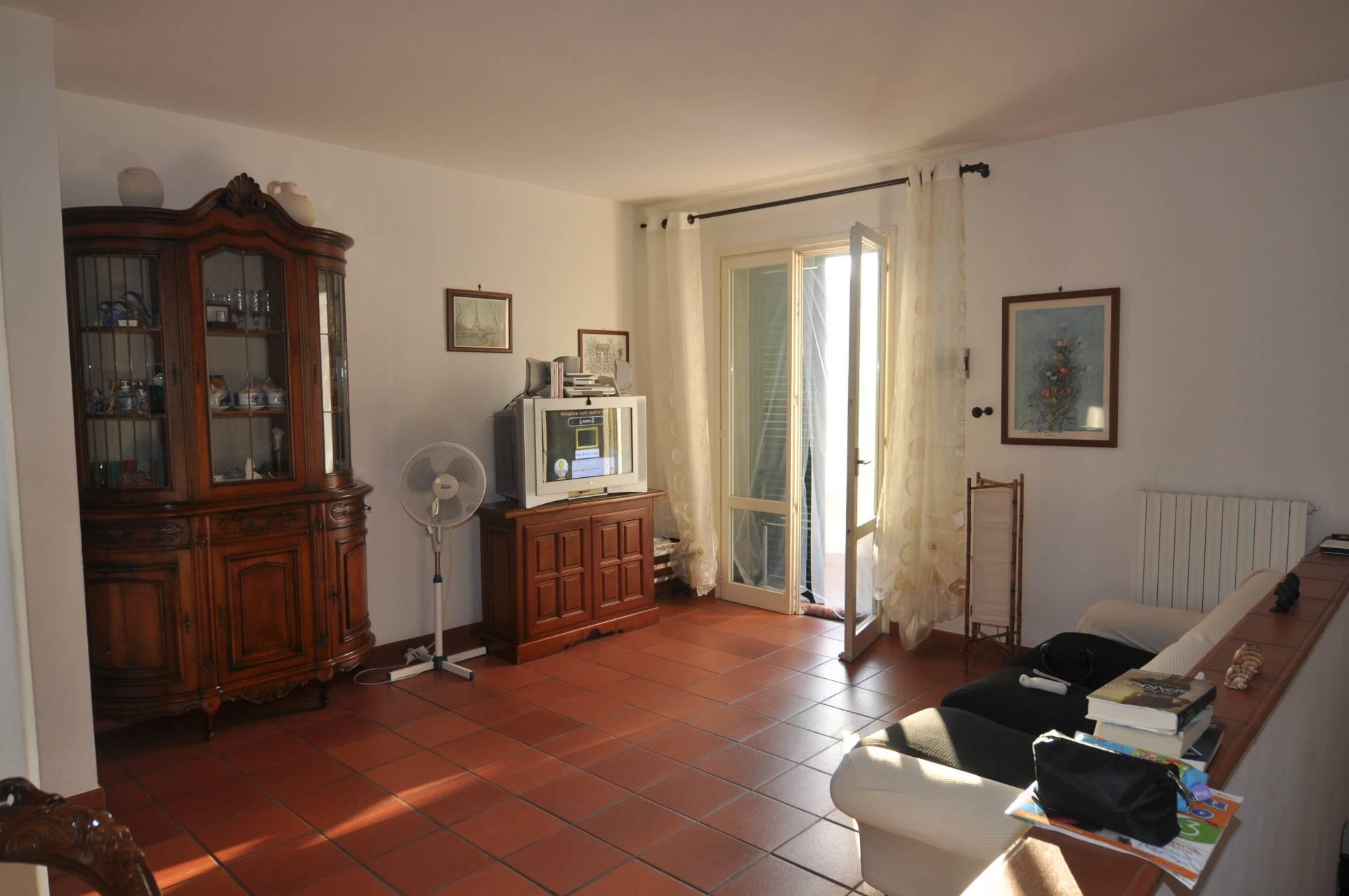 Appartamento in affitto a Cecina, 4 locali, prezzo € 650 | CambioCasa.it